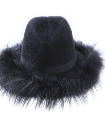 cow-girl-fur-hat